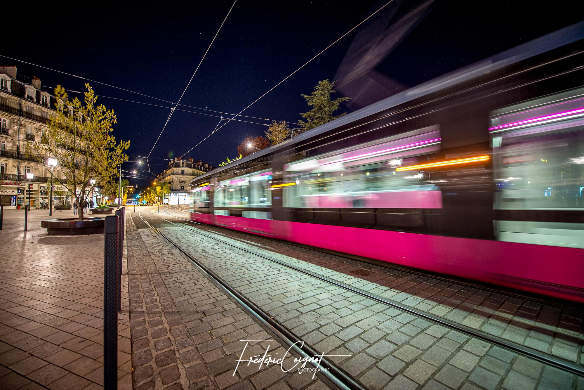 Tram, Dijon par Frédéric Coignot